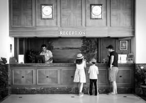 6911744-hotel-reception